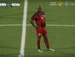 Wapres Suriname yang Berusia 60 Cetak Rekor Jadi Pesepakbola Profesional Tertua Dunia